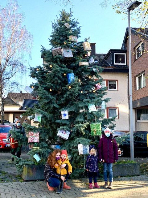 Weihnachtsbaum-mit-kindern2020